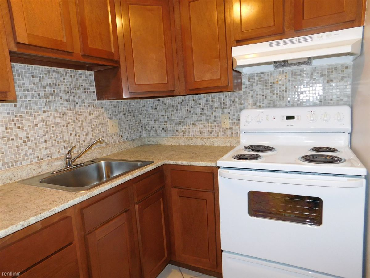 1 Bedroom 1 Bathroom Apartment for rent at Sandy Creek Apartments in Bethel Park, PA