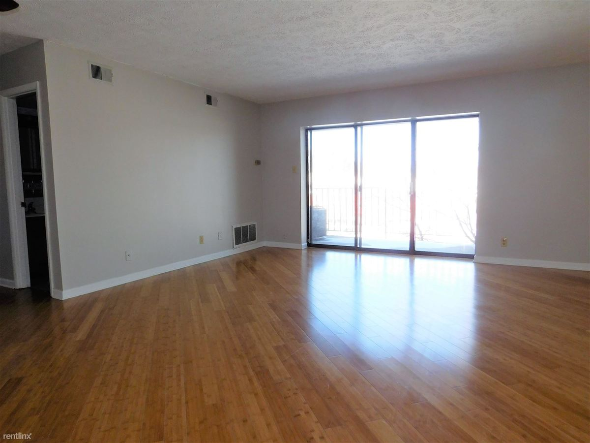 1 Bedroom 1 Bathroom Apartment for rent at Berkshire Apartments in Bethel Park, PA