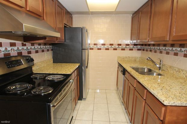 1 Bedroom 1 Bathroom House for rent at 1088 Greentree Rd in Pittsburgh, PA