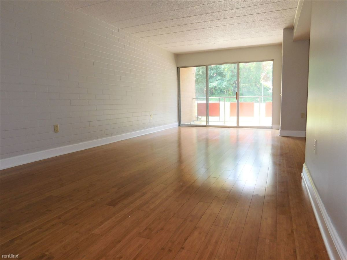 2 Bedrooms 2 Bathrooms Apartment for rent at 500 Hoodridge Dr in Castle Shannon, PA