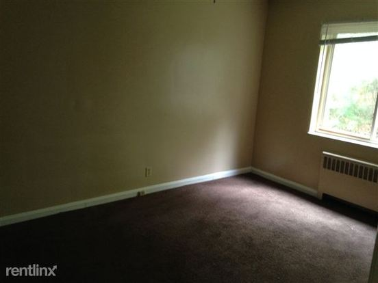 2 Bedrooms 1 Bathroom Apartment for rent at Cottonwood Apartments in Cincinnati, OH