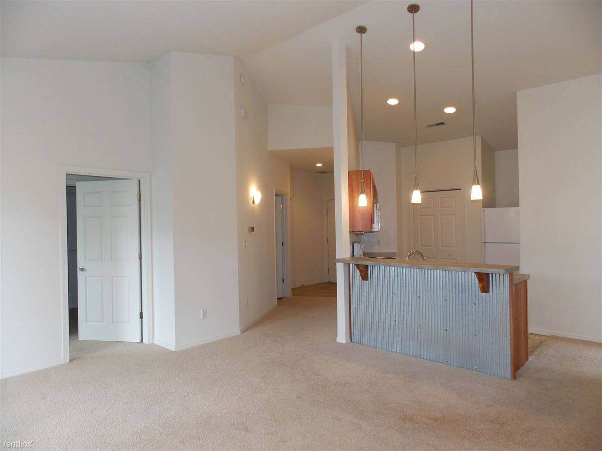 2 Bedrooms 3 Bathrooms Apartment for rent at The Grove At Latimer in Bloomington, IN