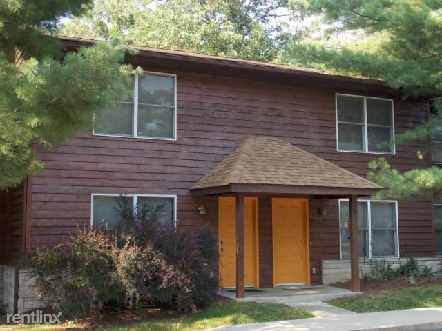 2 Bedrooms 1 Bathroom House for rent at Woodlawn Crossing in Bloomington, IN