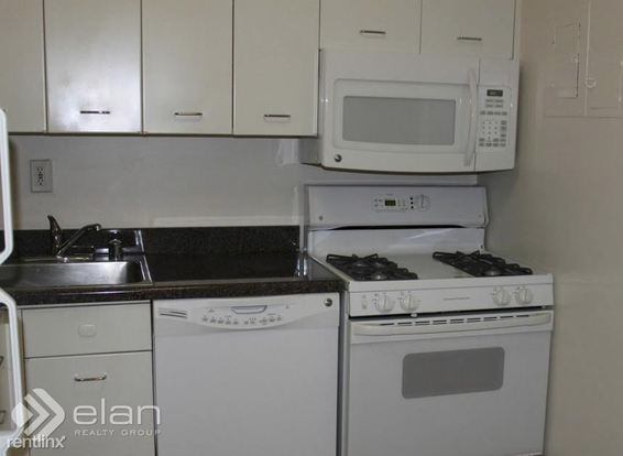 1 Bedroom 1 Bathroom Apartment for rent at 1350 N Lake Shore Dr in Chicago, IL