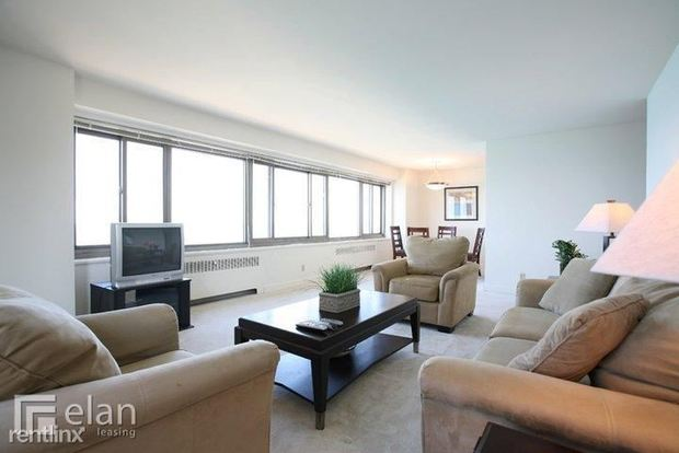 2 Bedrooms 2 Bathrooms Apartment for rent at 1350 N Lake Shore Dr in Chicago, IL