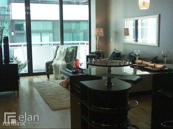 1 Bedroom 1 Bathroom Apartment for rent at 670 W Wayman St in Chicago, IL