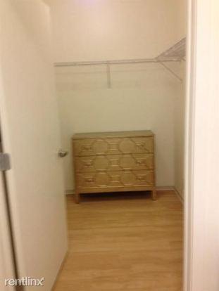 Studio 1 Bathroom Apartment for rent at 345 E Wacker Dr in Chicago, IL