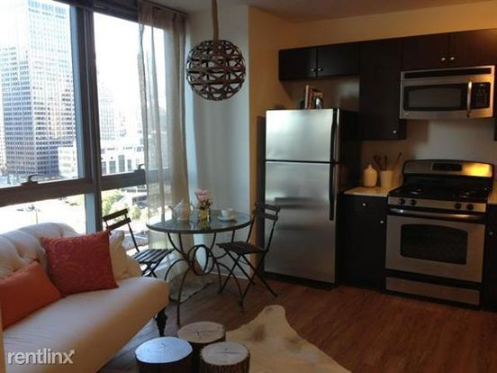 2 Bedrooms 2 Bathrooms Apartment for rent at 345 E Wacker Dr in Chicago, IL