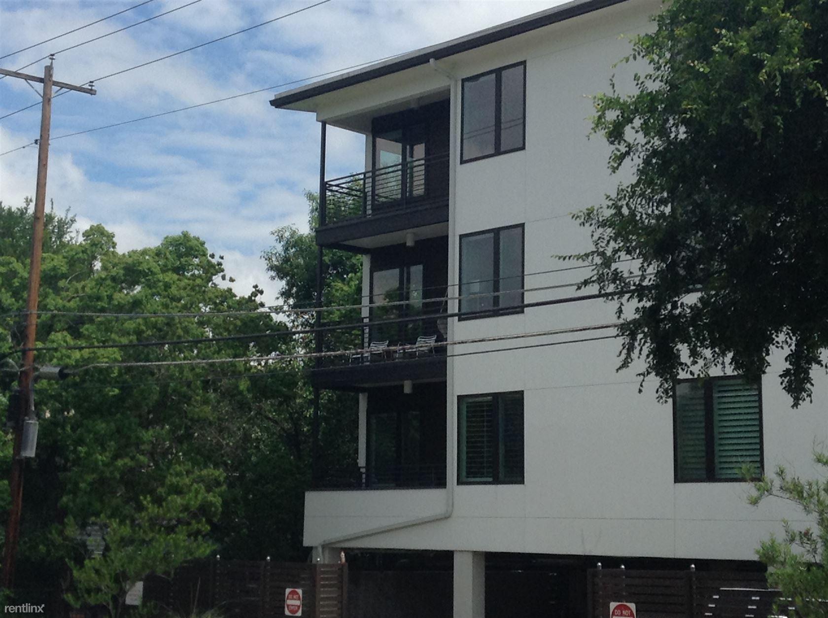 Similar Apartment at 2612 W 12th St