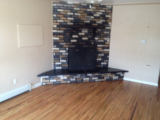 4 Bedrooms 1 Bathroom Apartment for rent at 817 Zenobia St in Denver, CO