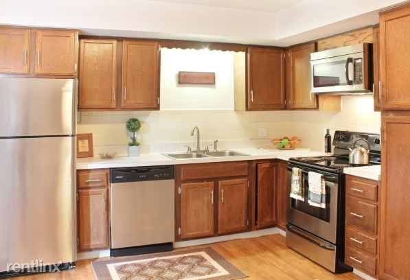 2 Bedrooms 1 Bathroom Apartment for rent at Autumn Ridge Townhomes And Apartments in Lansing, MI