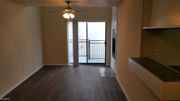 2 Bedrooms 1 Bathroom Apartment for rent at 802 S Lamar Blvd in Austin, TX