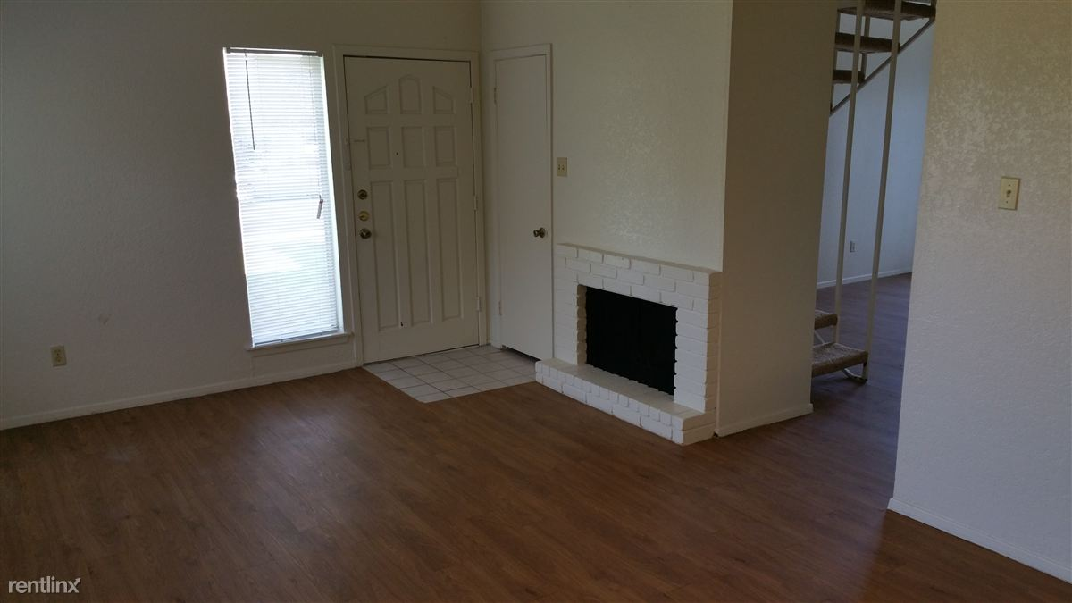2 Bedrooms 1 Bathroom House for rent at 1301 Saint Edwards Dr in Austin, TX