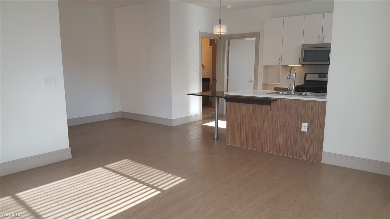 2 Bedrooms 2 Bathrooms Apartment for rent at 2613 S Lamar Blvd in Austin, TX