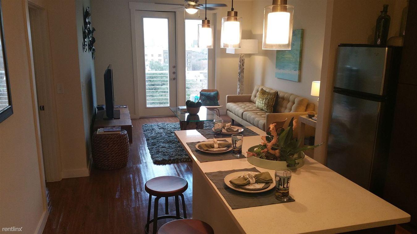 1 Bedroom 1 Bathroom Apartment for rent at 1303 S Lamar Blvd in Austin, TX