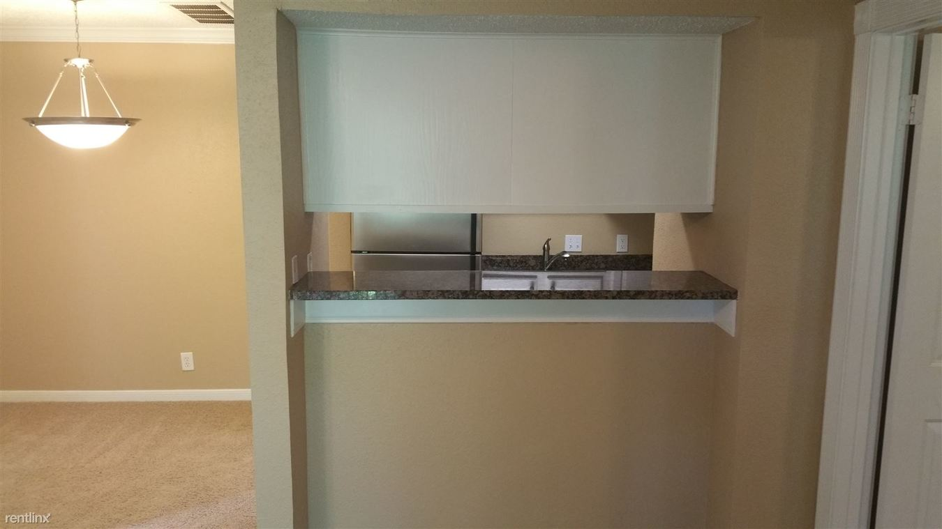 1 Bedroom 1 Bathroom Apartment for rent at 2705 Bee Caves Rd in Austin, TX