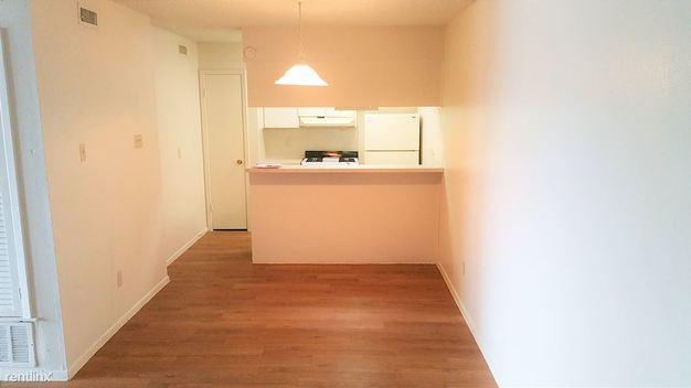 1 Bedroom 1 Bathroom House for rent at 1301 Saint Edwards Dr in Austin, TX