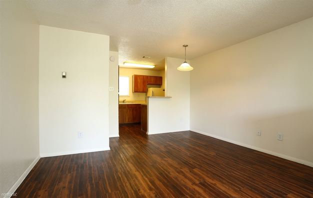 2 Bedrooms 1 Bathroom Apartment for rent at 2632 S Lamar Blvd in Austin, TX