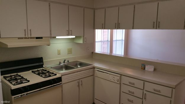 2 Bedrooms 2 Bathrooms House for rent at 1301 Saint Edwards Dr in Austin, TX