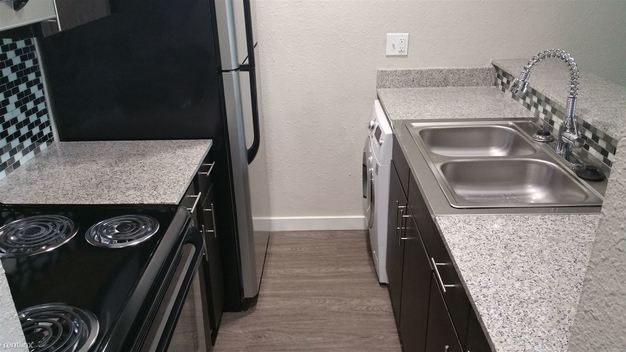 1 Bedroom 1 Bathroom Apartment for rent at 1505 Town Creek Dr in Austin, TX