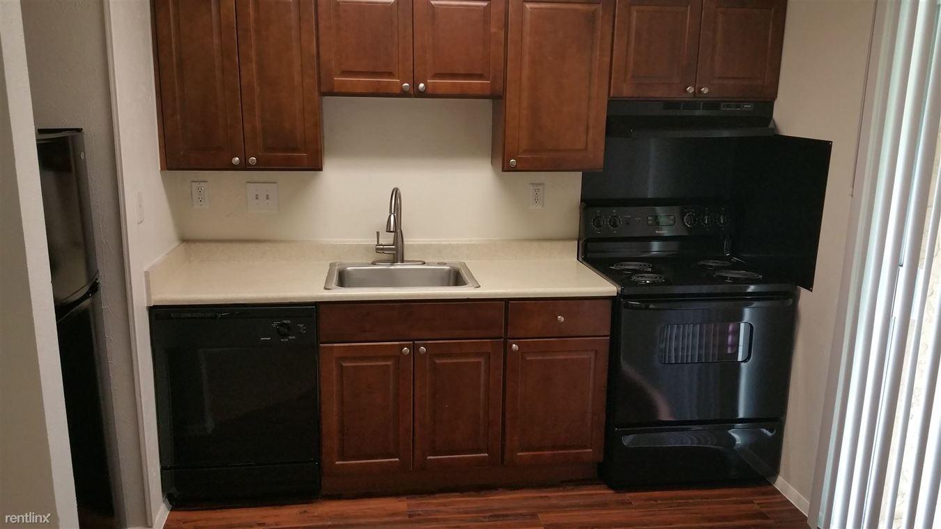Studio 1 Bathroom Apartment for rent at 2632 S Lamar Blvd in Austin, TX