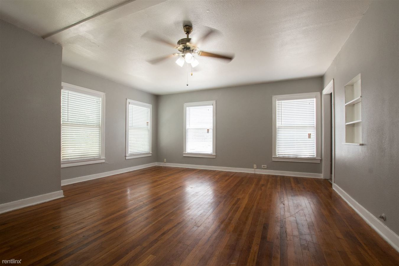 1 Bedroom 1 Bathroom Apartment for rent at 724 E Grayson St in San Antonio, TX