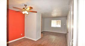 Similar Apartment at 1314 Southport Dr
