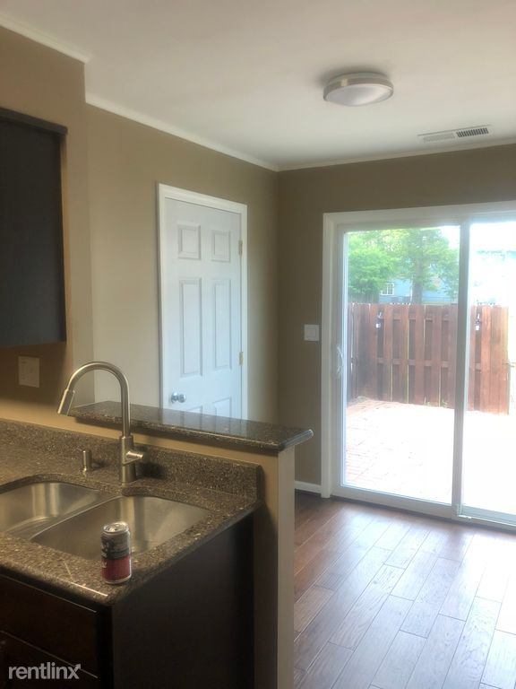 2 Bedrooms 1 Bathroom Apartment for rent at Milan Commons in Milan, MI