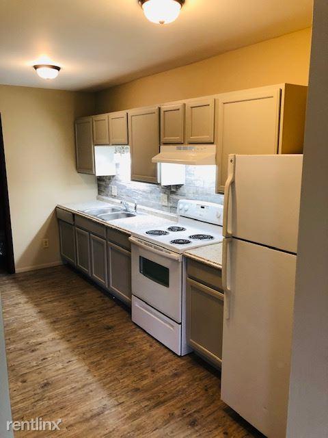 2 Bedrooms 1 Bathroom House for rent at Tecumseh Townhomes in Tecumseh, MI