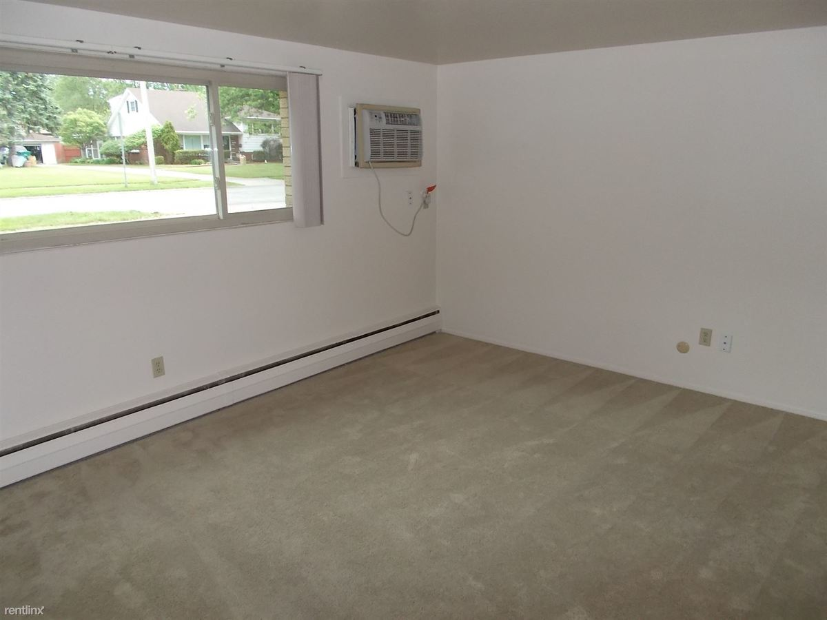 2 Bedrooms 1 Bathroom Apartment for rent at 8948 White Oak Ave in Munster, IN