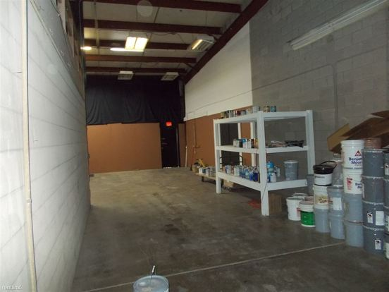 Studio 1 Bathroom House for rent at 2152 Glenwood Dyer Rd Garage/industrial Space in Lynwood, IL
