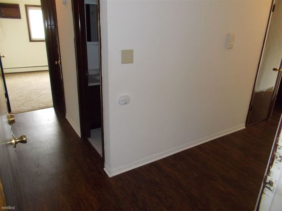2 Bedrooms 1 Bathroom Apartment for rent at 2107 177th St in Lansing, IL