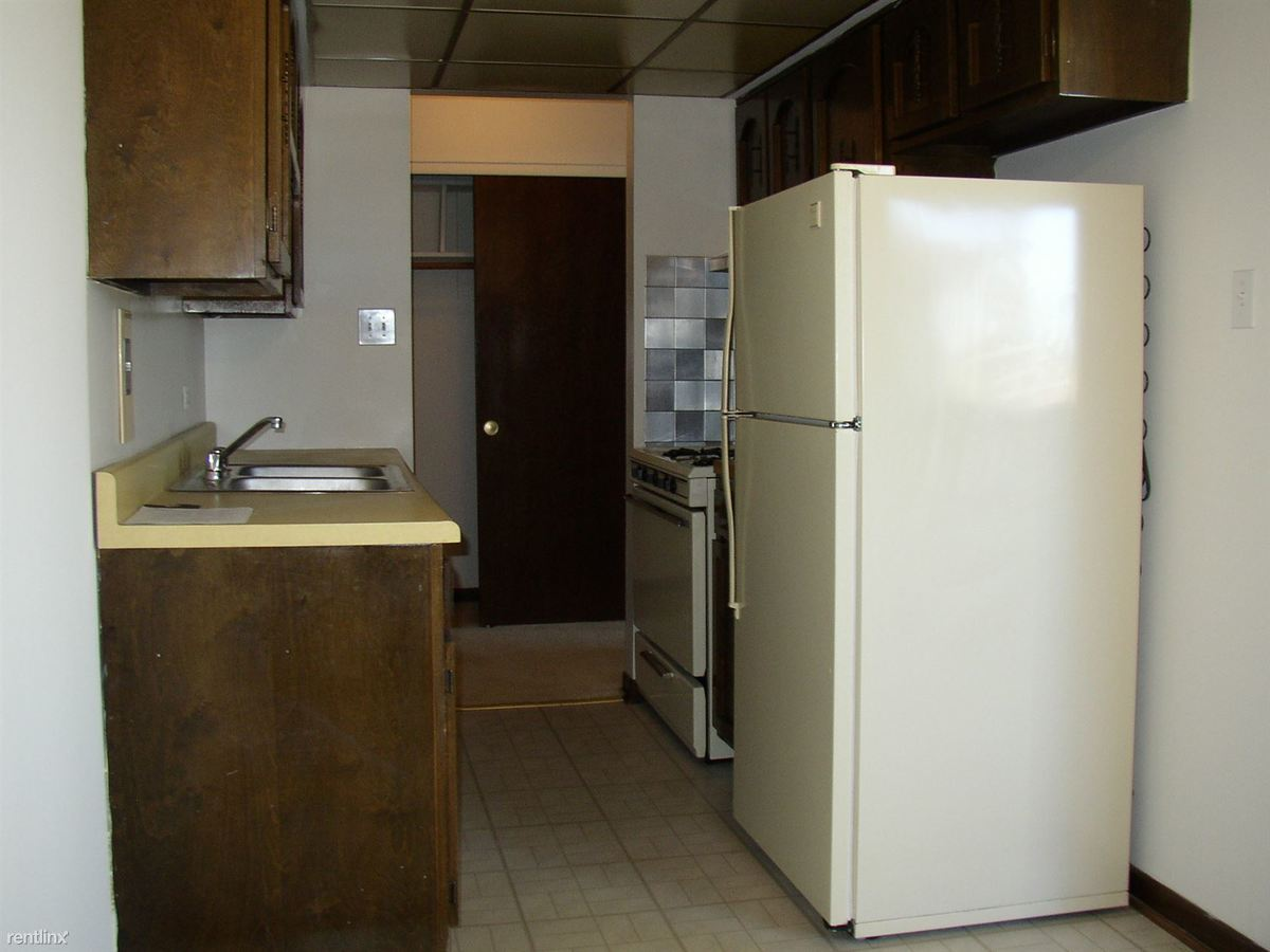 1 Bedroom 1 Bathroom Apartment for rent at Hickory Oaks Apartments in Lansing, IL