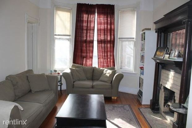 2 Bedrooms 2 Bathrooms Apartment for rent at 1947 N Cleveland Ave in Chicago, IL