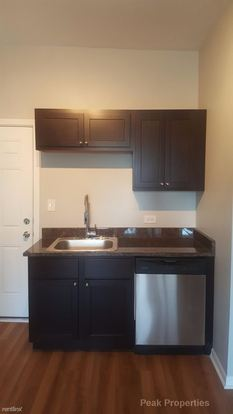 2 Bedrooms 1 Bathroom Apartment for rent at 1437 N Cleaver St in Chicago, IL