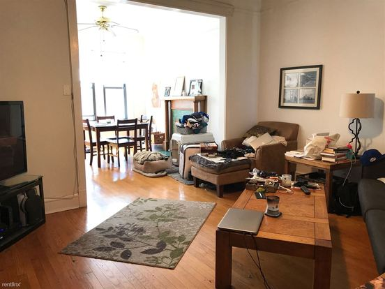 2 Bedrooms 1 Bathroom Apartment for rent at 1230 W Grace St in Chicago, IL