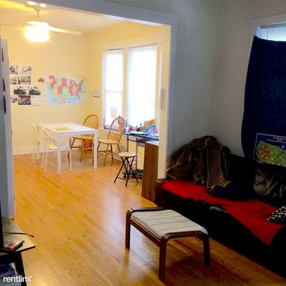 1 Bedroom 1 Bathroom Apartment for rent at 2156 W Grace St in Chicago, IL