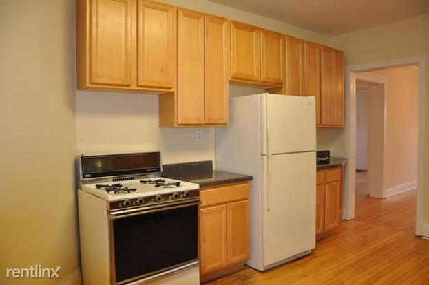 2 Bedrooms 1 Bathroom Apartment for rent at 1947 W Sunnyside Ave in Chicago, IL