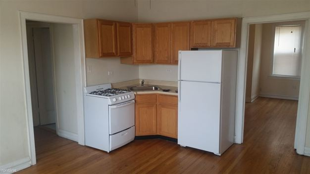 Studio 1 Bathroom Apartment for rent at 3915 N Southport Ave in Chicago, IL