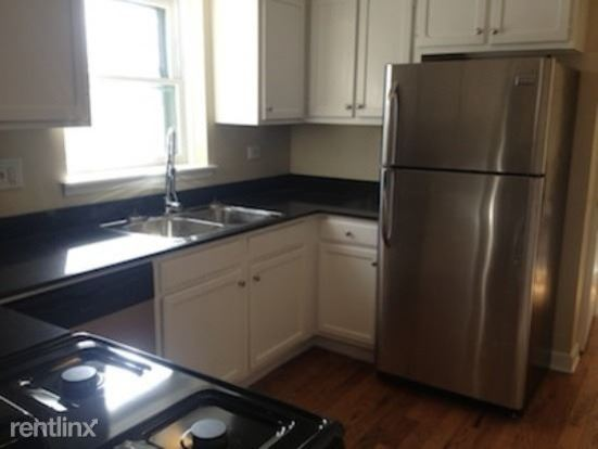 1 Bedroom 1 Bathroom Apartment for rent at 103 S Villa Ave in Addison, IL