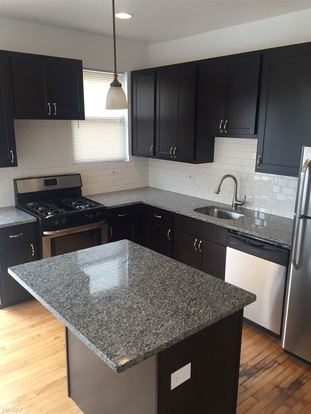 4 Bedrooms 3 Bathrooms Apartment for rent at 3622 N Marshfield Ave in Chicago, IL