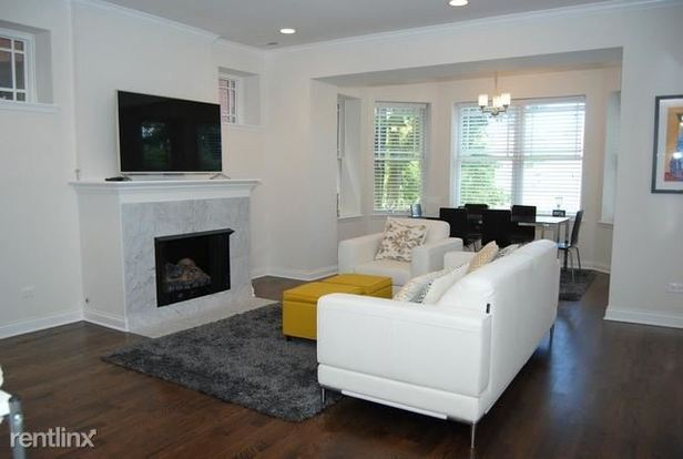 3 Bedrooms 2 Bathrooms Apartment for rent at 913 Forest Ave in Evanston, IL