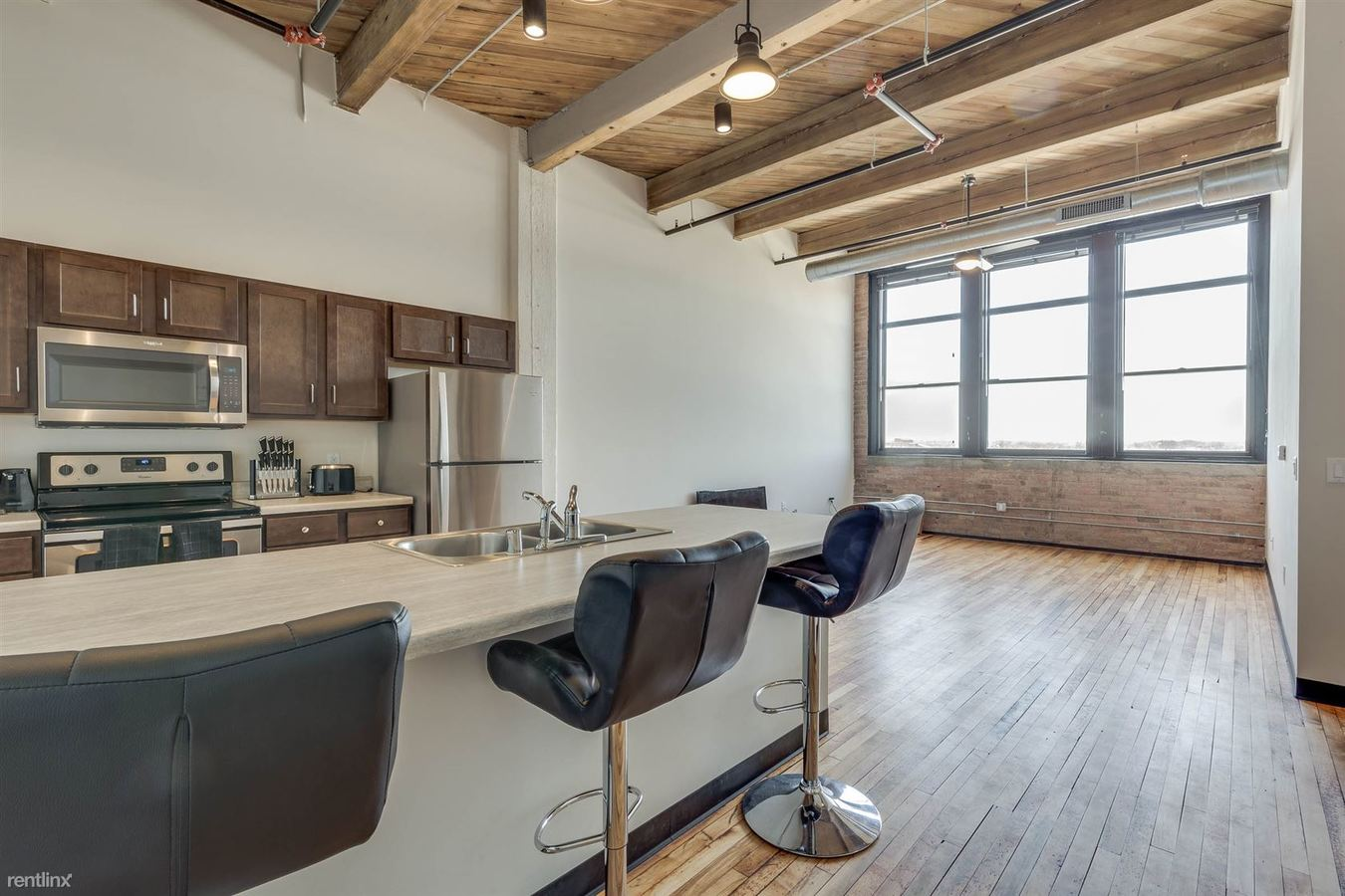 3 Bedrooms 2 Bathrooms Apartment for rent at Welford Sanders Historic Lofts in Milwaukee, WI
