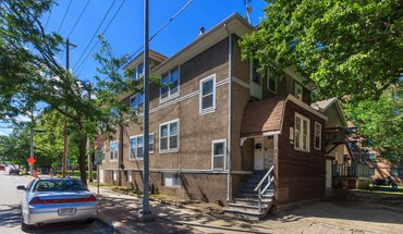 Similar Apartment at 550 W Dayton St