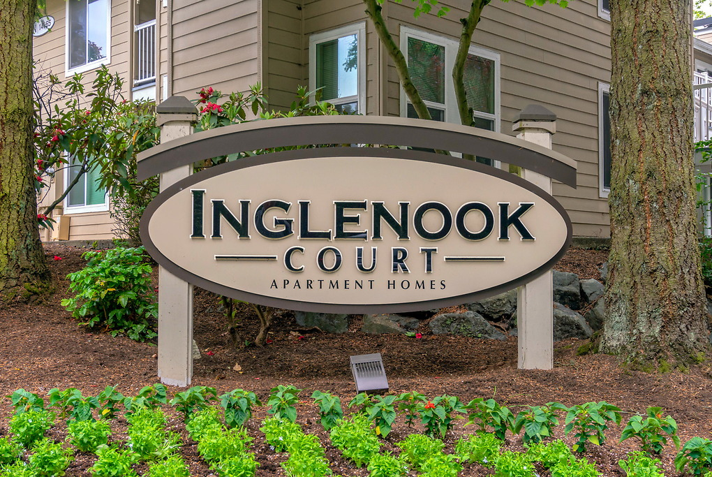 Apartments Near Bastyr Inglenook Court for Bastyr University Students in Kenmore, WA