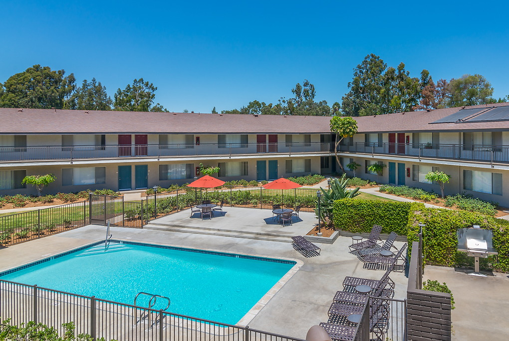 Apartments Near Claremont Village Green for Claremont Students in Claremont, CA