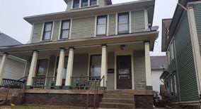 Similar Apartment at 1534 E Ohio St