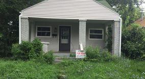 Similar Apartment at 2008 E Maryland St