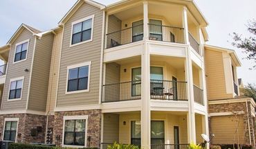 Similar Apartment at 630 Colony Lake Estates Dr