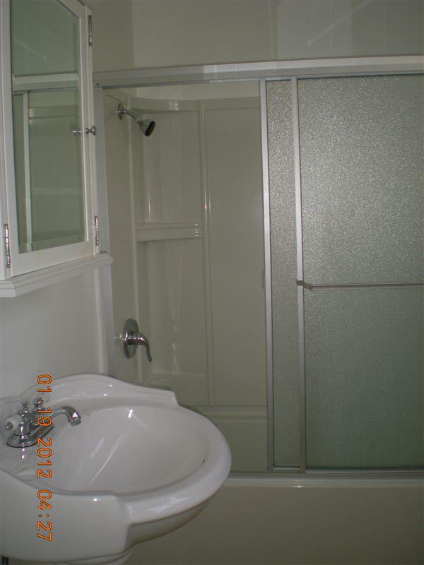 Studio 1 Bathroom Apartment for rent at 933 6th St in Santa Monica, CA